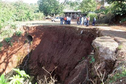 Erosão no Ribeirão Quati ameaça segurança de moradores