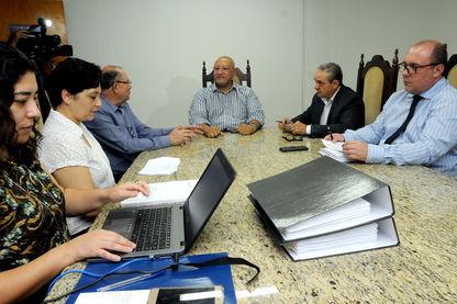 Comissão Processante decide prosseguir com trabalhos