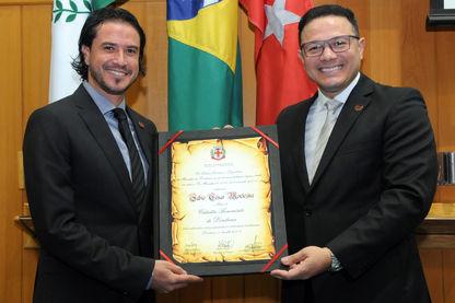 Fábio Montezine recebe Cidadania Benemérita
